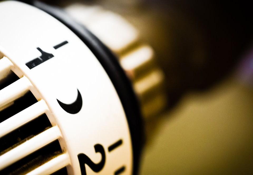 Repartidor-de-costes-de-calefacción-de-Wintel-conectado-a-un-radiador